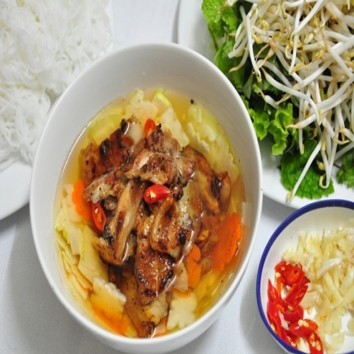 Bun Cha - Rice Noodles and Grilled Chopped Meat